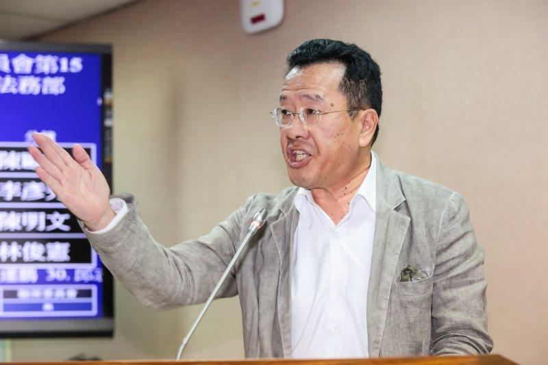 民進黨立委顧立雄於司法法制委員會質詢。(顏麟宇攝)