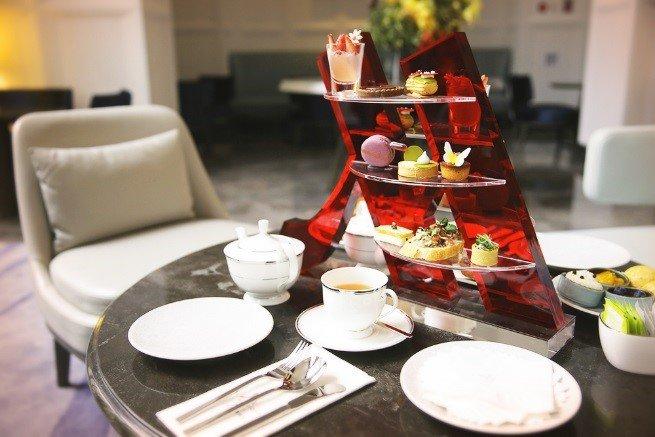 和媽媽一起在Lobby Lounge享用雙人花園經典下午茶,拍照上傳粉絲團還有優惠!(圖/台北萬豪酒店提供)