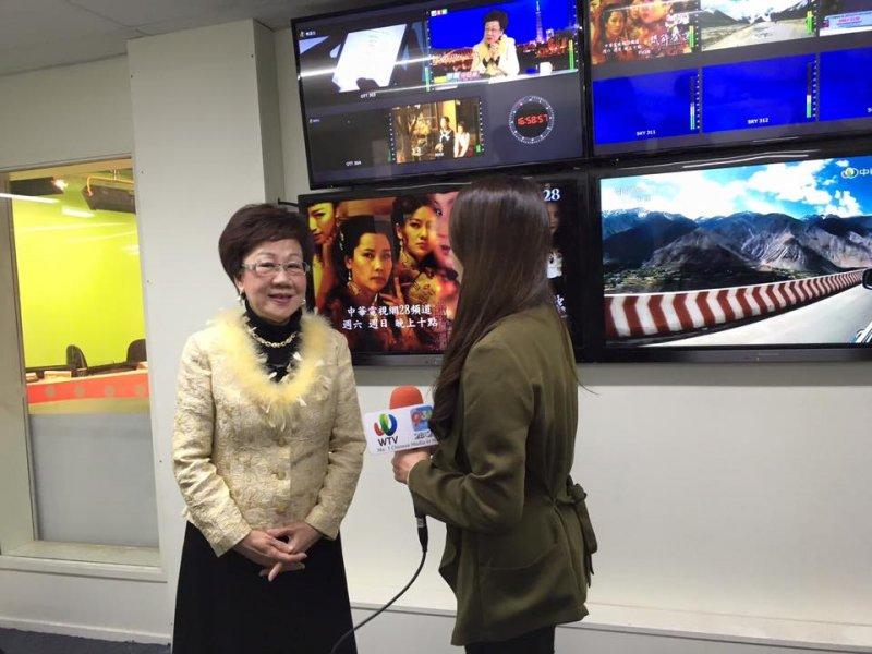 呂秀蓮出訪紐西蘭,接受當地媒體訪問(呂秀蓮臉書)