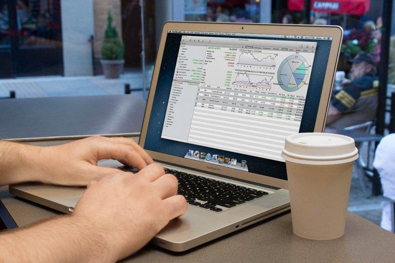 投資團隊善用各種金融工具,讓手上的資產靈活應對環境的多空變化,化波動為獲利機會。(圖/OTA Photos@flickr)