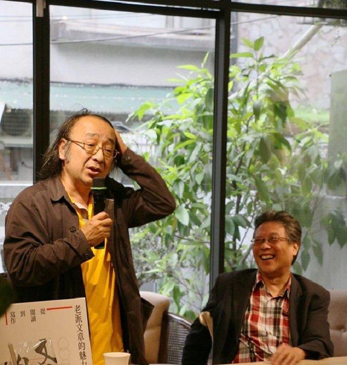 唐諾、張大春對談「老派文章的魅力」。(取自新經典臉書粉絲頁)
