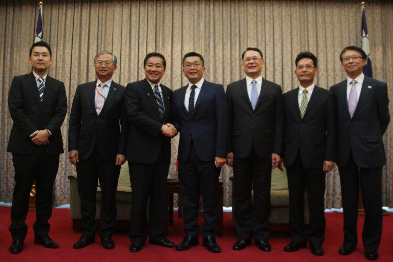 立法院副院長蔡其昌接見日本民進黨眾議員長島昭久。(王德為攝)