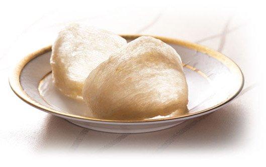 僅有冰糖與燕窩、不添加任何其他多餘原料是不少消費者認為最貼近自家燉煮燕窩的口感,也較令人安心。(圖/擷取自品御方官網)