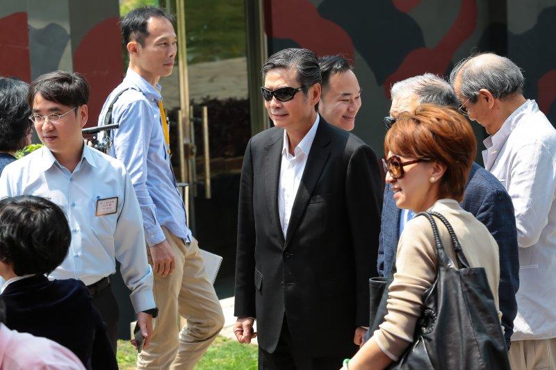 金溥聰29日應邀至金門出席「和平台海、繁榮永續」紀念碑揭碑儀式。(顏麟宇攝)