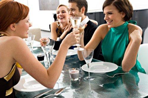 帶點微甜的酒款總是能獲得女性的喜愛,更是母親節大餐不能錯過的桌上嘉賓。(圖/2016台北葡萄酒展提供)