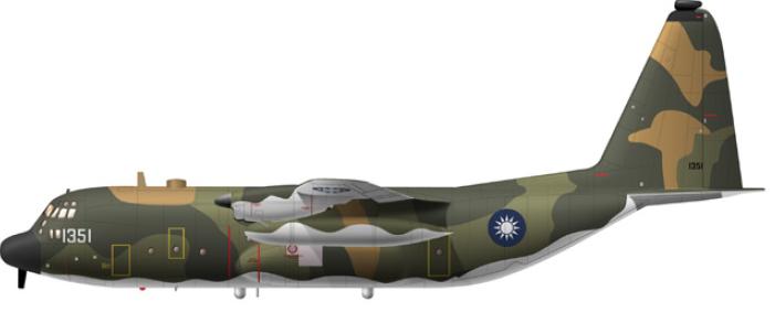 空軍編號1351的C-130HE電子作戰機,天干機。(取自中國飛機全書網站)