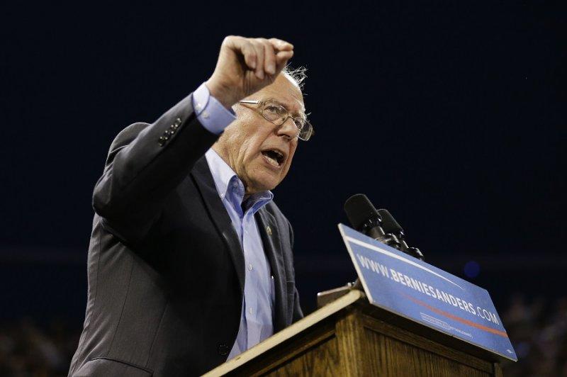 美國民主黨總統參選人桑德斯17日於加州發表演說(美聯社)