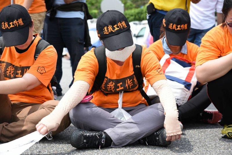 20160520-SMG0045-106-國道收費員陳抗區抗議-林惟崧攝.jpg
