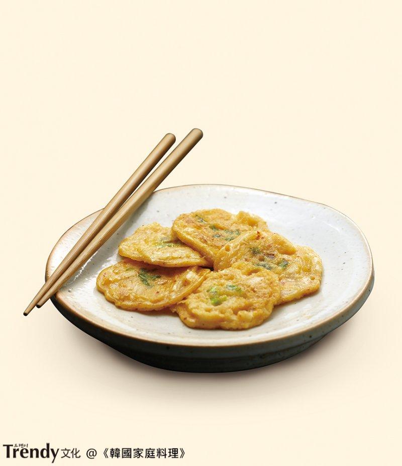 蔥餅,泡菜煎餅(本圖/文經授權轉載自TRENDY文化《韓國家庭料理》)