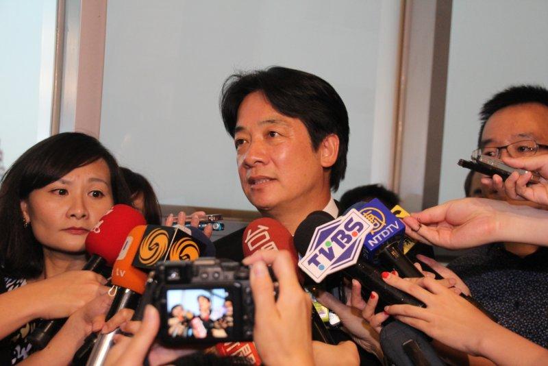 前總統陳水扁抵達位於台北市大直典華會館的凱達格蘭基金會餐會。賴清德。(王德為攝)