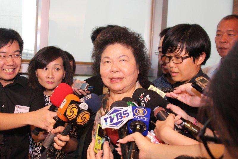 前總統陳水扁抵達位於台北市大直典華會館的凱達格蘭基金會餐會。陳菊。(王德為攝)
