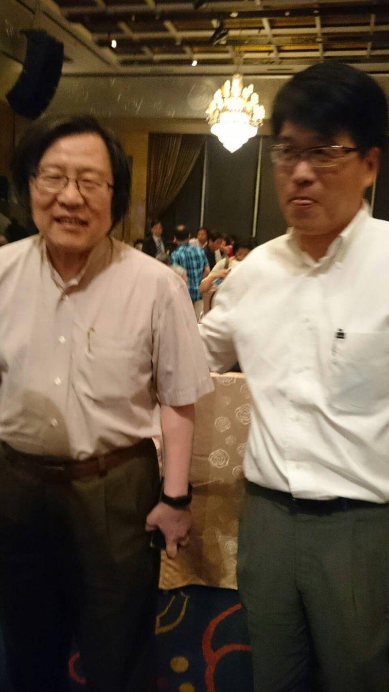 前總統陳水扁抵達位於台北市大直典華會館的凱達格蘭基金會餐會。邱義仁、游盈隆。(顏振凱攝)