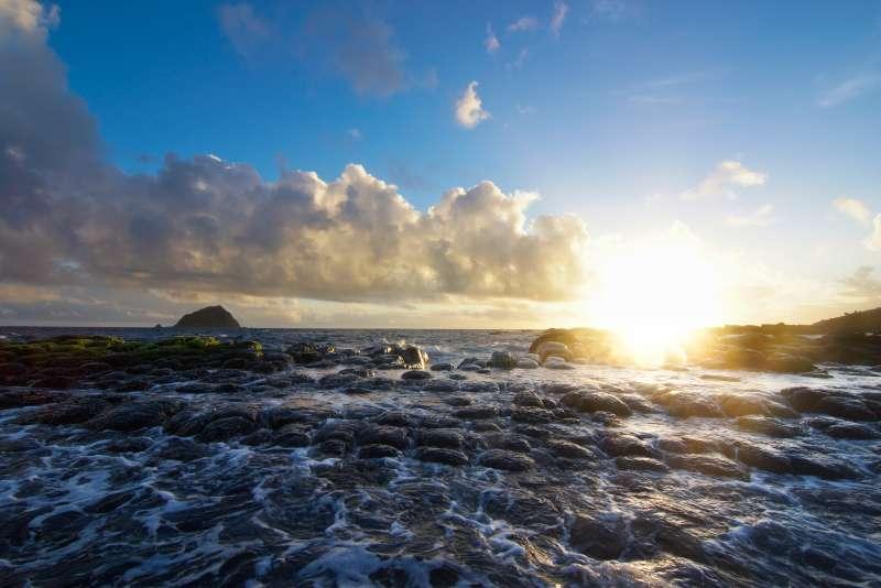 媲美野柳的海蝕獨特景觀,和平島公園9月起委外經營。(基隆市政府提供)