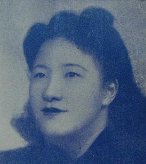 蘇青比張愛玲大六歲,是個離婚的單身媽媽(網路/作者提供)