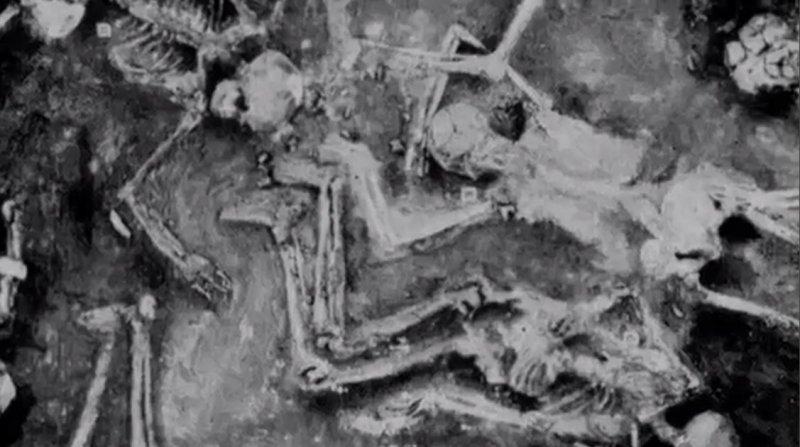 在萬人城市遺址現場卻只發現了44具白骨。(圖/影片截圖)