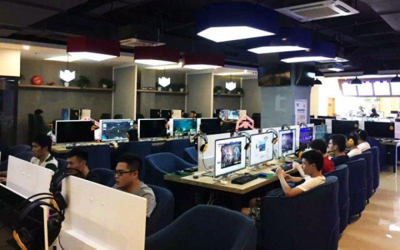 北京當局設下的網路防火長城審查嚴格,但中國網民仍設法翻牆與牆外世界連接。(取自網路)