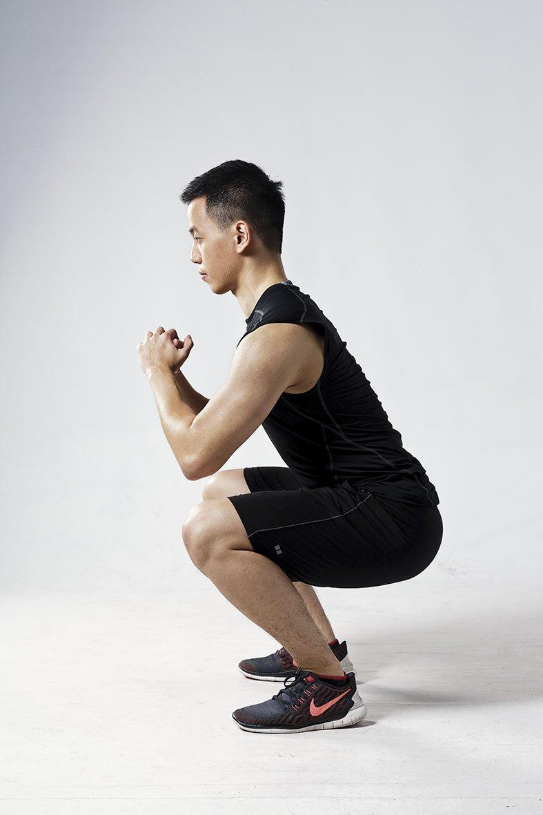 膝蓋超過腳尖(圖/三采文化提供)