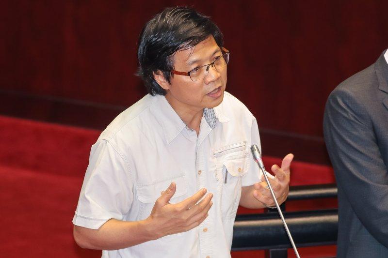 內政部長葉俊榮17日於立院備詢。(顏麟宇攝)