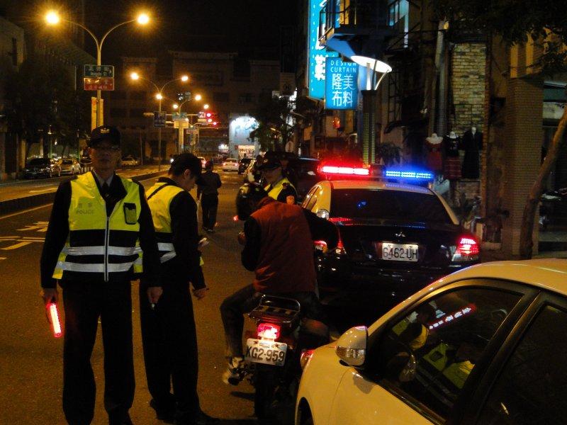 20160618-SMG0045-016-警察臨檢。(取自台南市警察局).JPG
