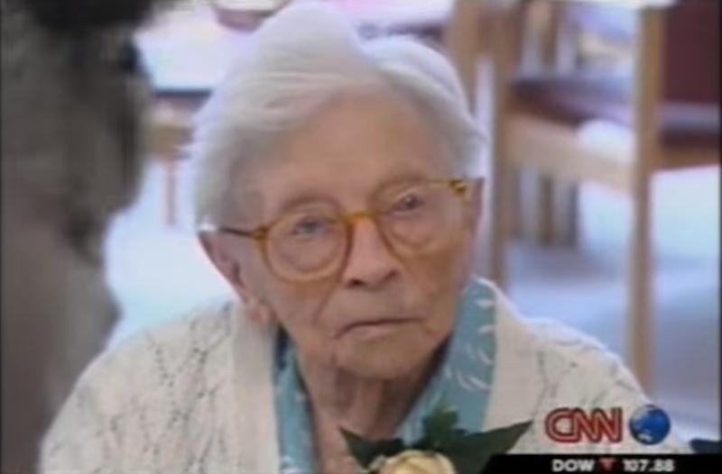 CNN報導115歲的van Andel-Schipper女士,儘管高齡,但她腦部反應仍然敏銳,沒有阿茲海默症的徵兆。(影片/擷取自Youtube網站)