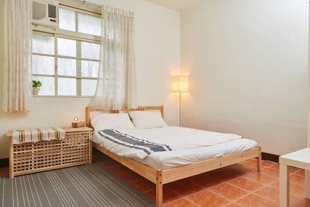 主打公共空間,但私人的房間依舊小而美。(圖/9Floor Apt. 玖樓@fb)