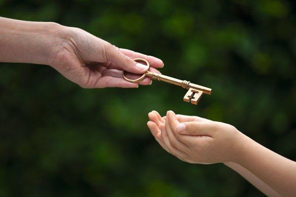 做父母的總是會擔心下一代,若能及早且有計畫性將資產傳承,富傳三代並不困難。(圖/擷取自CAPITAL Entrepreneur網站)