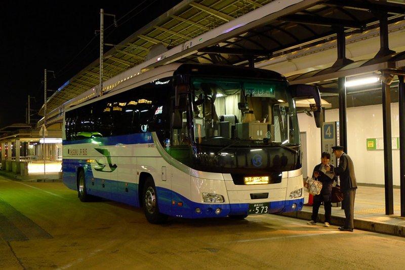 夜行巴士。攝:陳琡分
