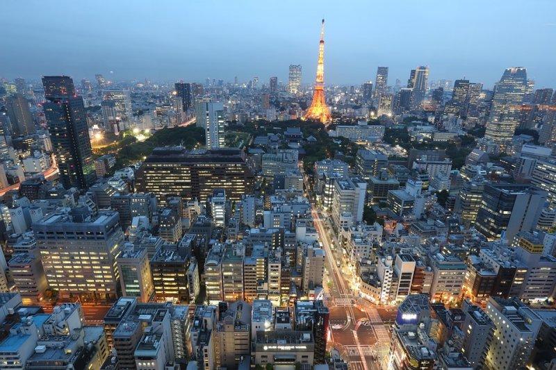 東京的繁華令人嚮往,然而日本的工作環境,有像他繁華表面一般值得令人期待嗎?(圖/Unsplash@pixabay)