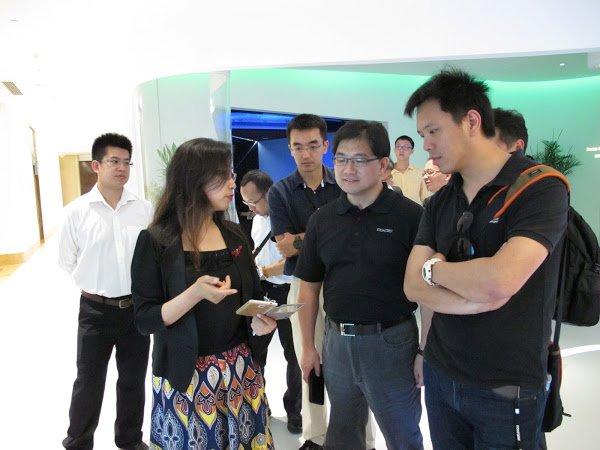中國國民黨國家發展研究院院長吳肇銘於6月15至19日帶領台灣青年創業團隊,前往深圳參訪由各大型企業所設立的創業協助單位,提供台灣青年在進行創業時更多的機會與資金。(取自國發院網站)