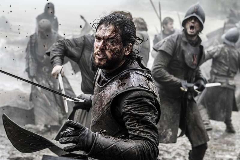 《冰與火之歌:權力遊戲》(Game of Thrones)第6季,由基特哈靈頓(Kit Harington)飾演的主角瓊恩(Jon Snow)(美聯社)
