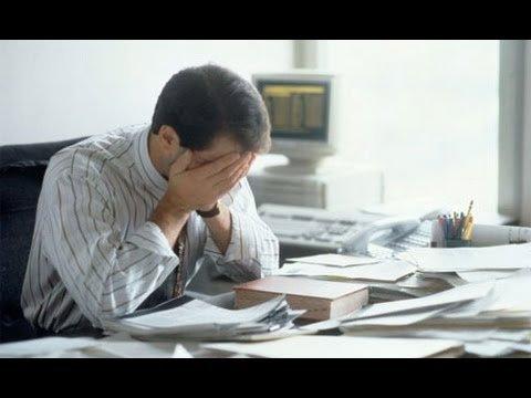 因為壓力而導致的心理問題常被汙名化與貼標籤,讓男人更不敢開口尋求協助。(圖/youtube)