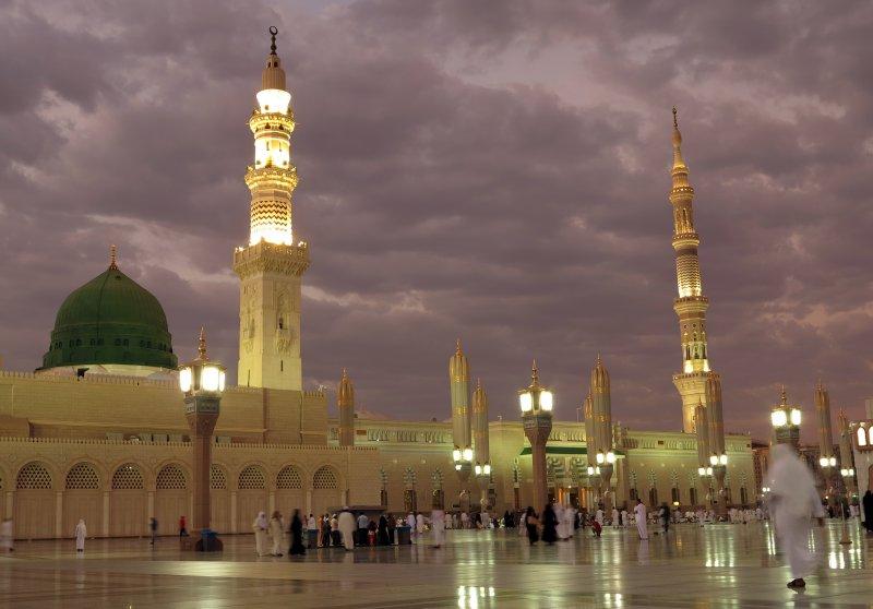 先知清真寺建於西元622年,是歷史上第2座清真寺,改建後可容納上百萬信眾。