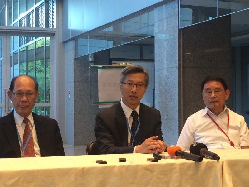 中研院院長廖俊智說他很願意接納「中央研究院組織與運作改進委員會」的建議。(石秀娟攝).JPG