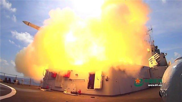 南海仲裁結果出爐,中國解放軍公布南海軍演照片。