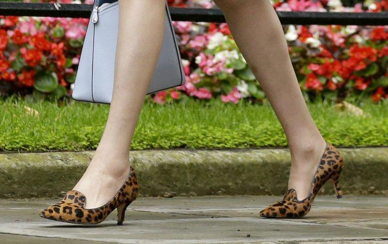 英國新任首相梅伊著名的豹紋鞋(Theresa May)