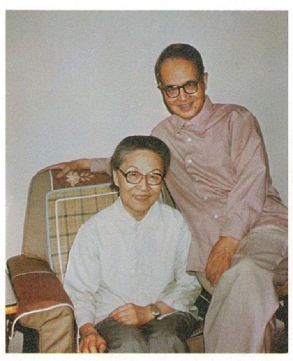 1981年,錢楊在北京三里河寓所。(時報出版提供)
