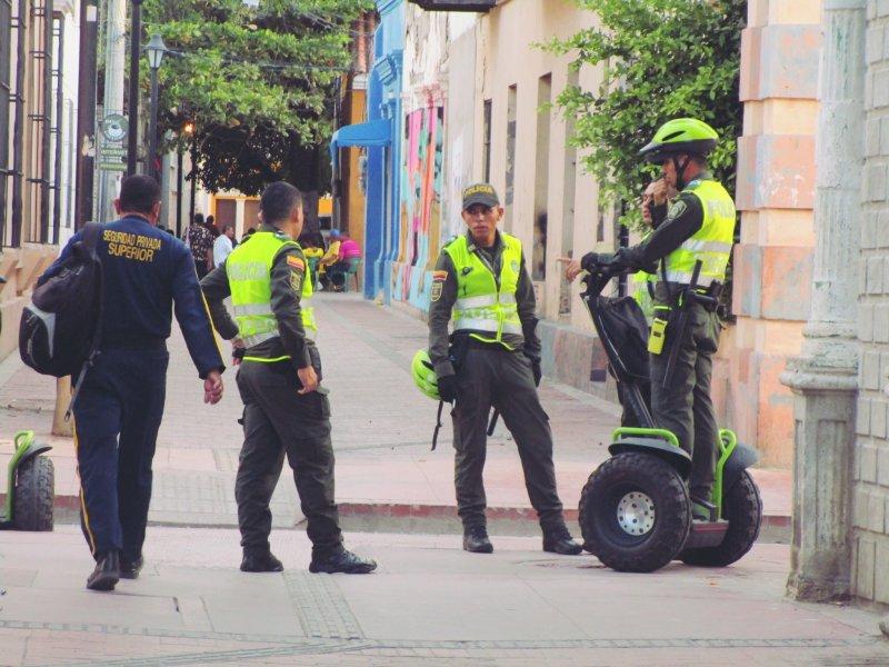 隨處可見的警察 來到哥倫比亞。(世界公民島雜誌提供)