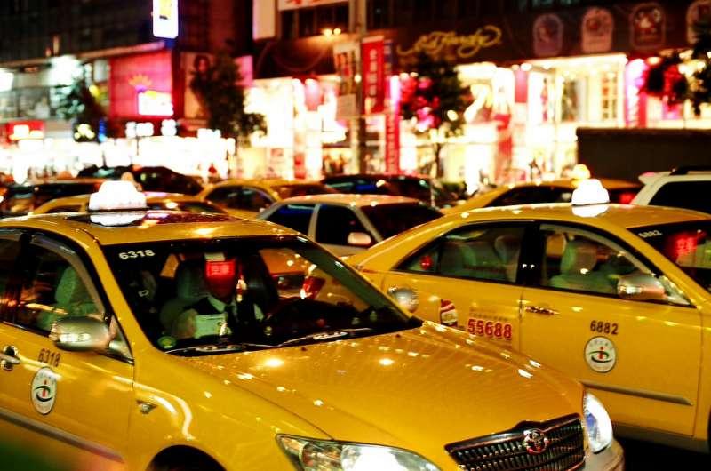 台灣大車隊將引入稱客語司機的互評制度,成為派車與否的參考之一。(圖/chia ying Yang@Flickr)