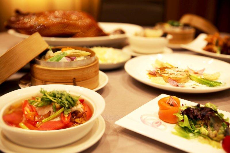 宴客樓以經典粵菜為基礎,注入以香麻辣聞名的四川風味,打造出獨樹一格的流派。