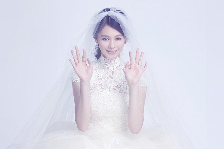 六款女神級婚禮髮型,讓你的婚禮 Look 更臻完美。(圖/微博、DR)