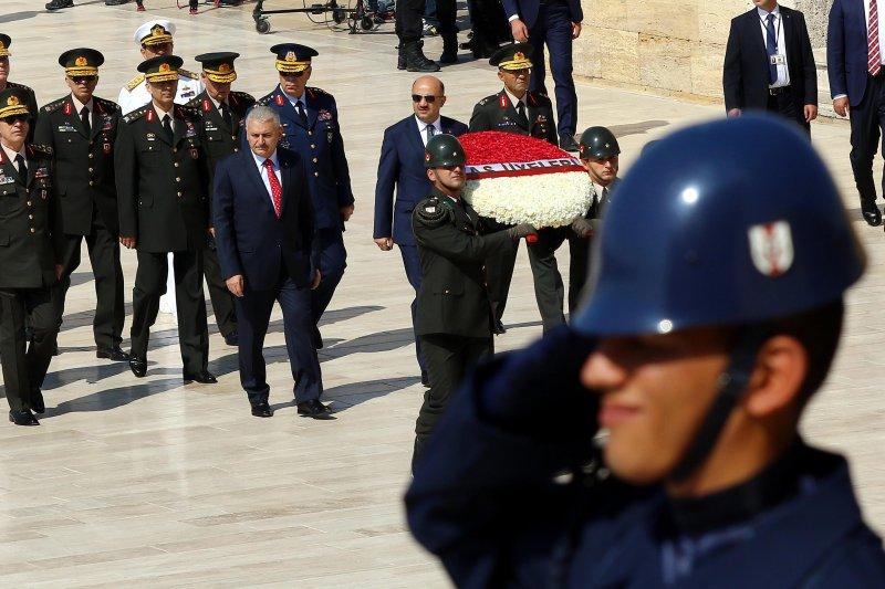 土耳其軍事政變未遂之後,軍方悼念死難者(美聯社)