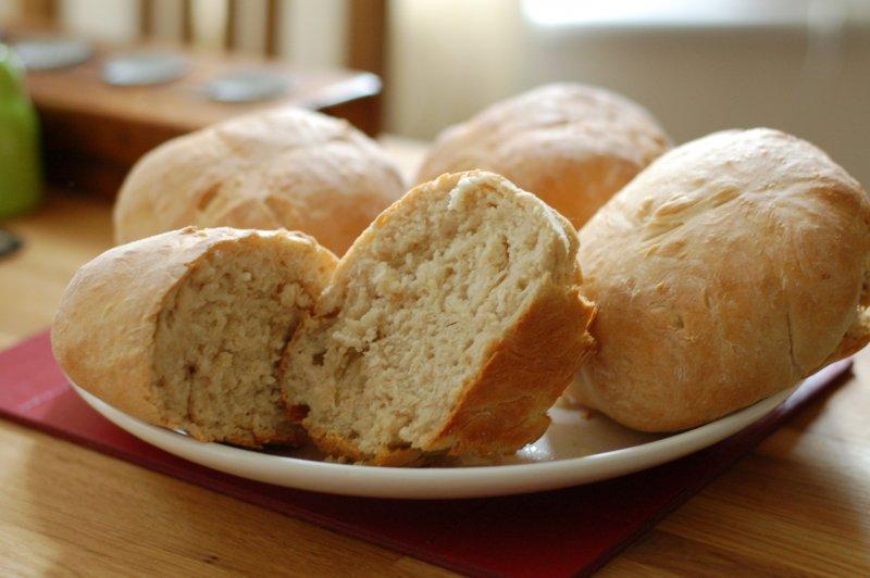 看著香噴噴的麵包出爐,寵物們卻不能嚐上一口!(圖/Rik Lomas@flickr)