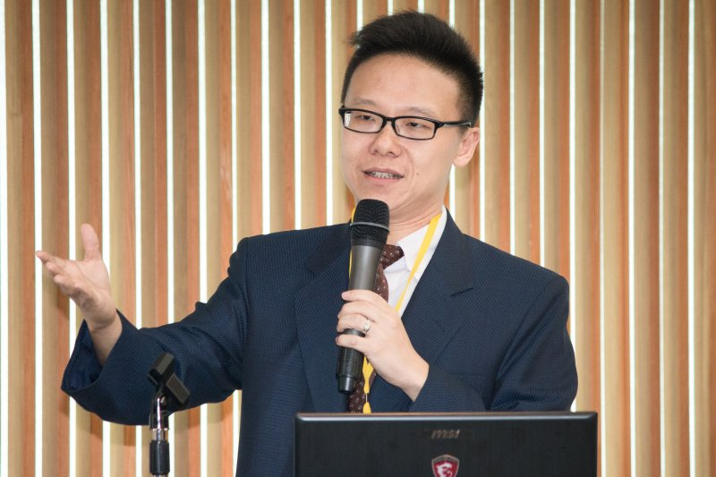 台灣大學政治系教授蔡季庭於,「南海仲裁案與台灣」學術研討會發言。(李振均攝)