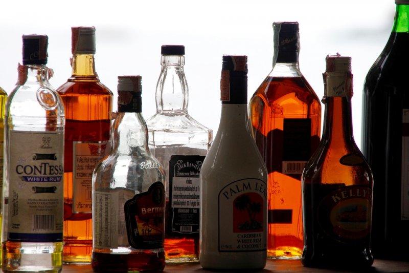 喝酒並不能讓缺水的身體補充水分(圖/Peggy_Marco@pixabay)