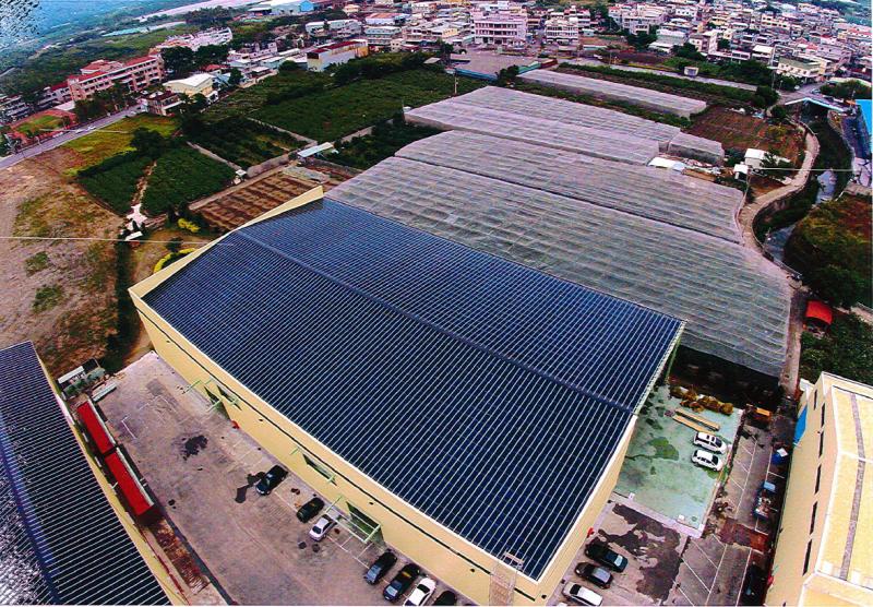 20160819-太陽能光電,高雄燕巢光電帷幕廠房。(高雄市工務局提供)