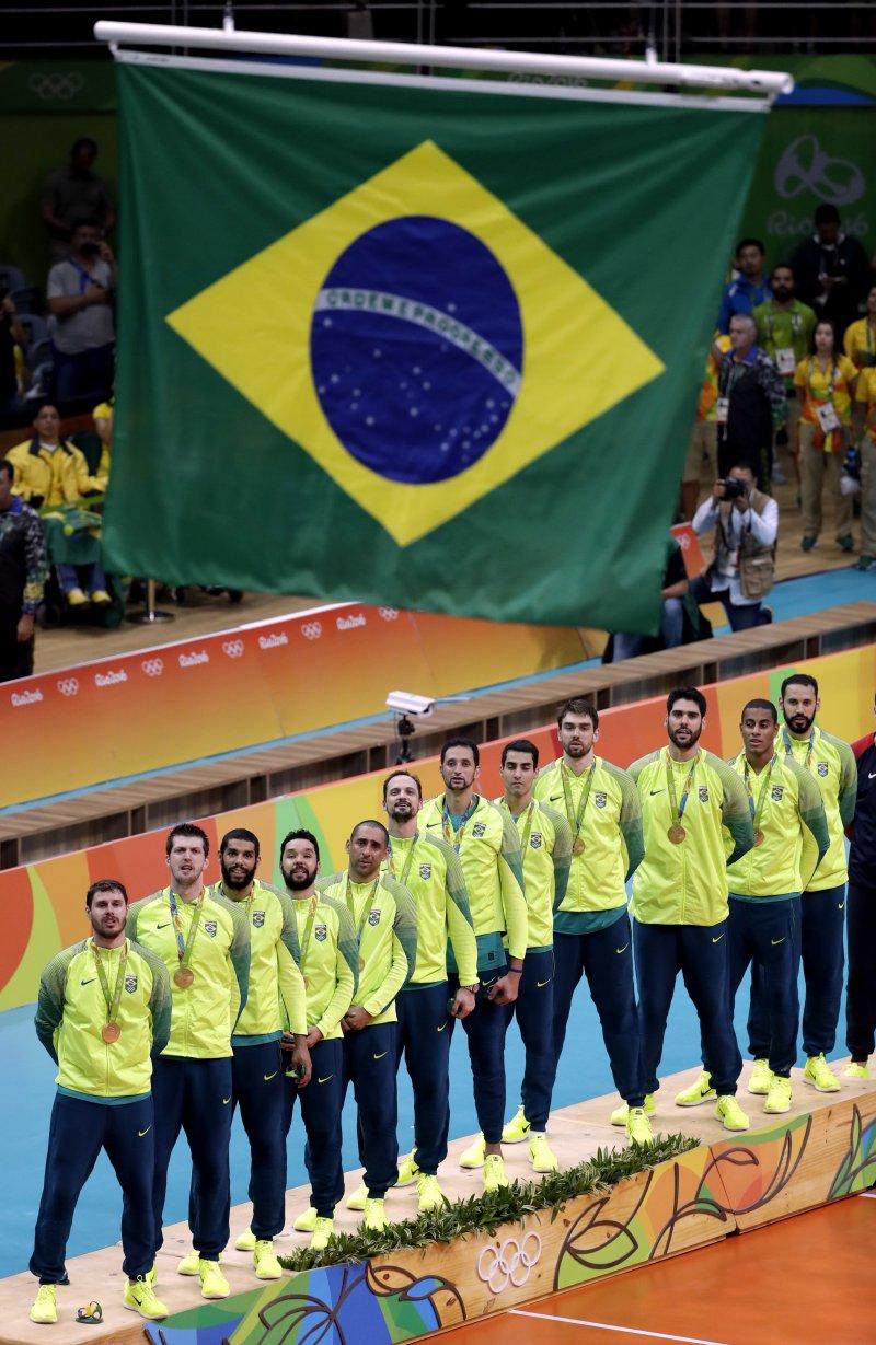 巴西男排奪得奧運金牌。(美聯社)
