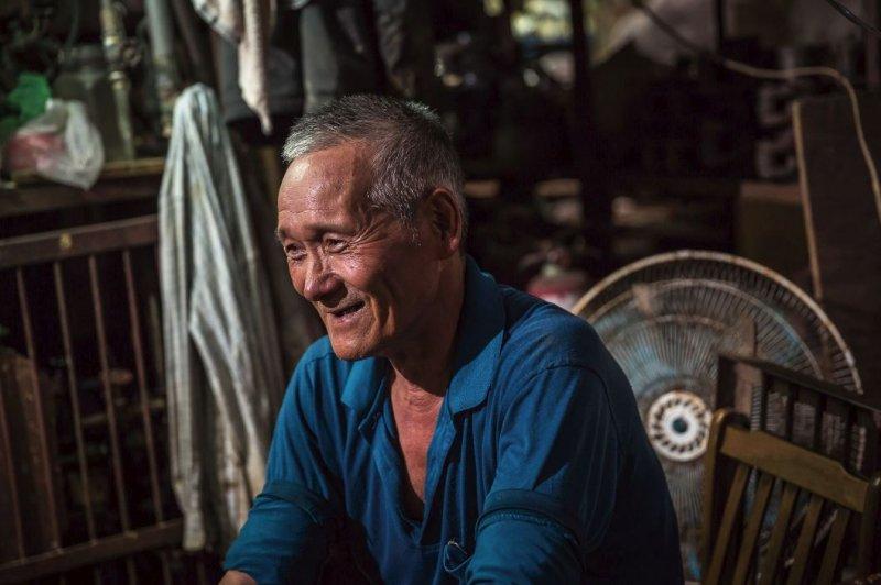 司爐人曾通農,看台灣玻璃產業從興到衰。