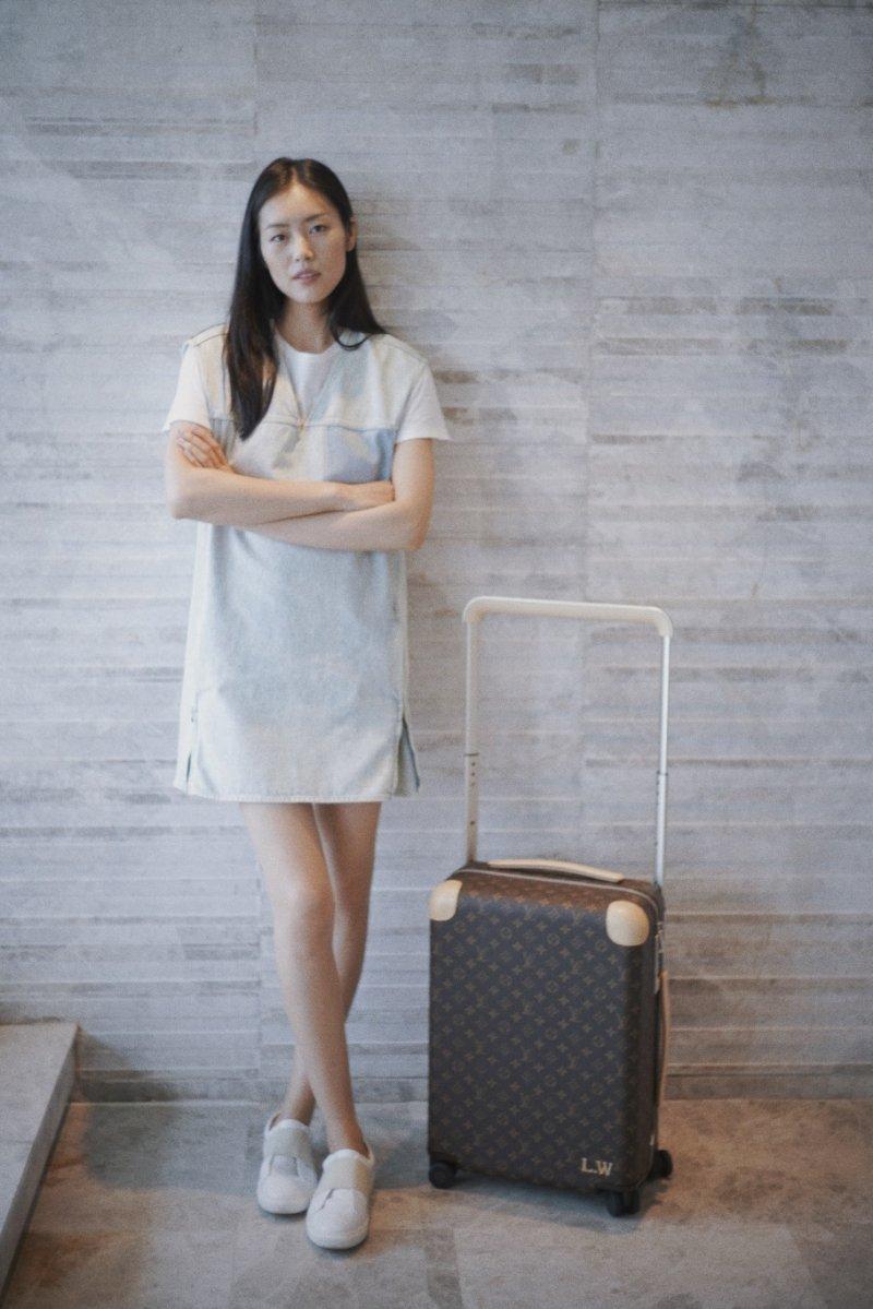 努力地打破了舊有的框架,Louis Vuitton新系列滾輪行李箱Horizon追尋更貼近旅人的美。(圖/LV提供)