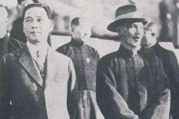 蔣介石與汪精衛。