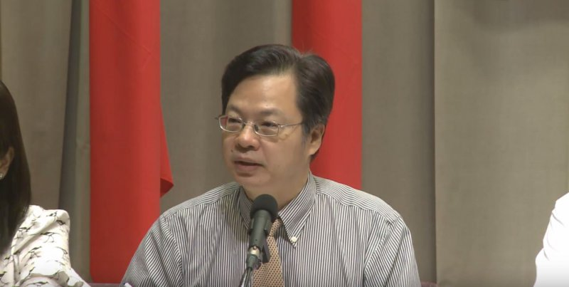 2016-08-25-行政院院會後記者會-龔明鑫02-取自行政院直播